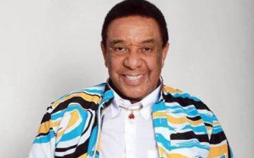 Morre de Covid-19 o cantor Agnaldo Timóteo no Rio de Janeiro